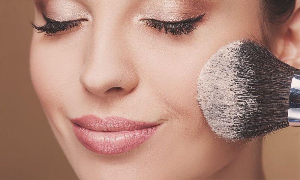 прозрачная пудра в макияже